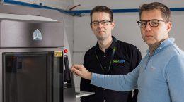 Toimitusjohtaja Dan Björklöf (vasemmalla) ja tuotantopäällikkö Aki Mertsola odottavat Proto Labsille kasvua Suomeen ja Eurooppaan.