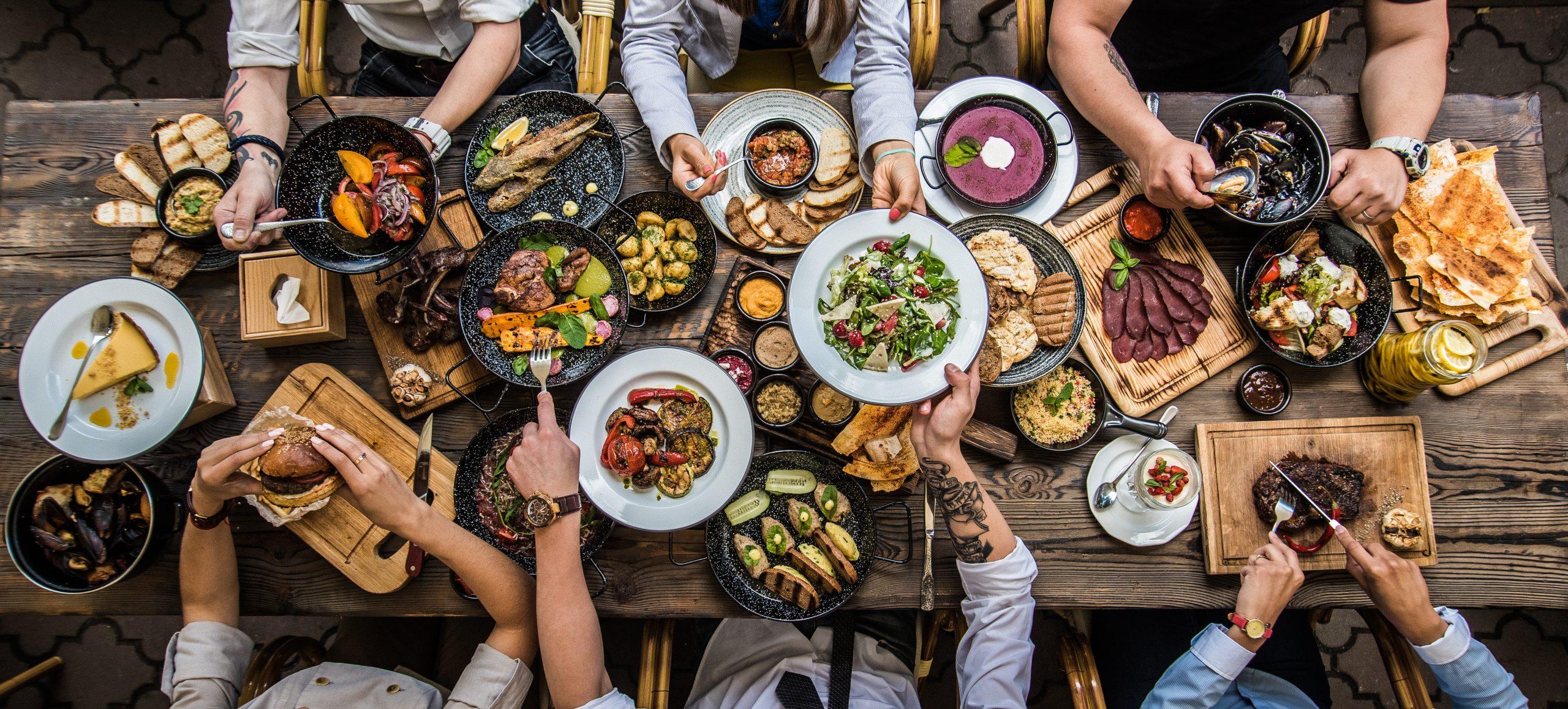 Pääkirjoitus: Ruokahävikki lisääntyy syömällä